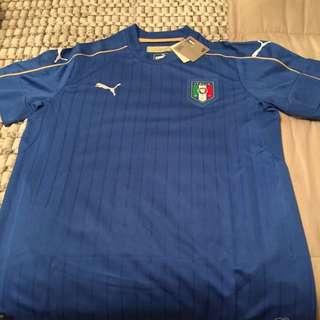 Italia Jersey **SIZE LARGE **Puma