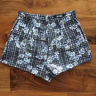 Missguided Floral Check Shorts