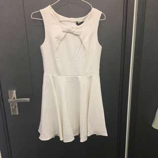 奶白色連身裙 Cream dress