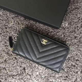 Chanel 山形紋牛皮中夾