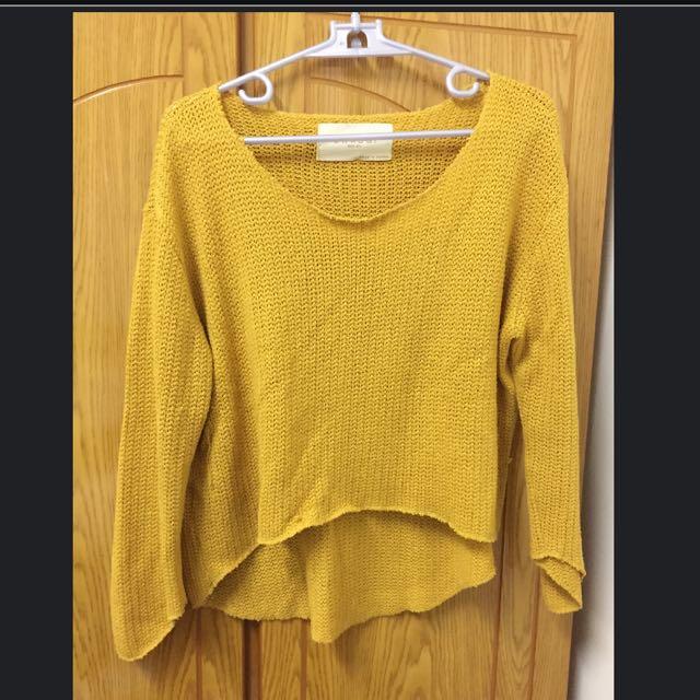 正韓前短後長黃色毛衣