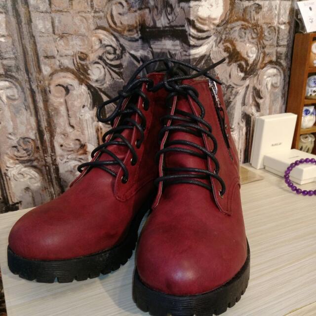 高筒馬丁靴 酒紅色 便宜出清 38號