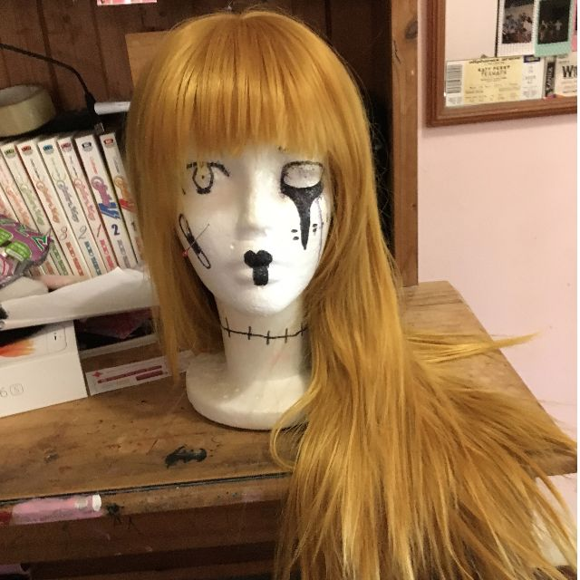 Blonde wig, long with fringe/bangs