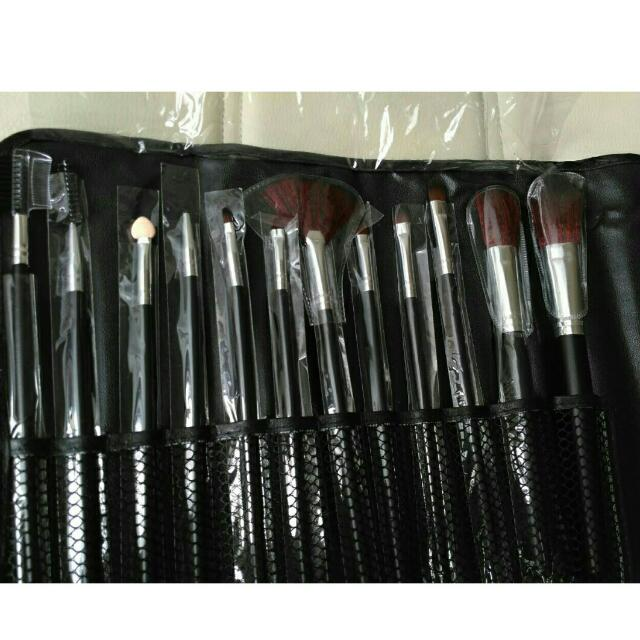Brush make up set isi 12!! REAL PICT!!