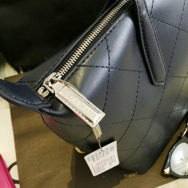 Charles & Keith Shoulder Bag Branded Import Original Tas Bahu Shoulder Bag .