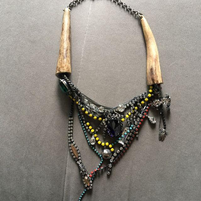 Costume Stunning Necklace