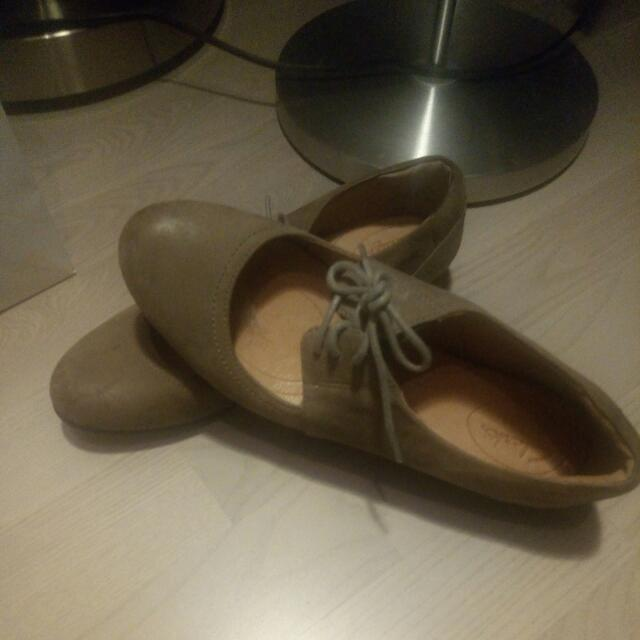 Leather Clarks Mary Jane taupe shoes, 7 1/2 fit.   Like new only worn twice.