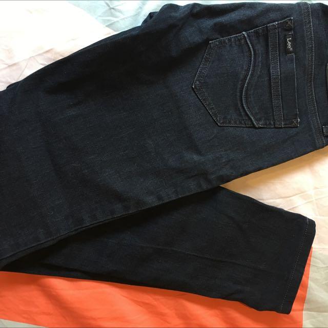 *REDUCED. LEE Denim Jeans, Size 28 (XS) Dark Blue