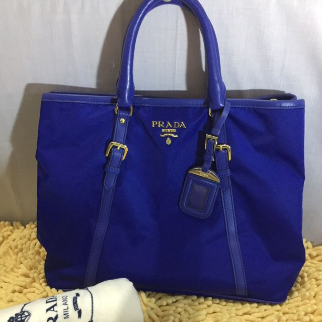 CLEARANCE SALE❗️❗️❗️Prada 2-way Nylon Tote Bag