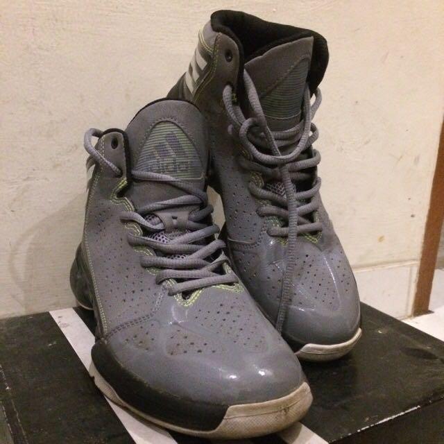 Sepatu Basket Adidas Mad Handle J