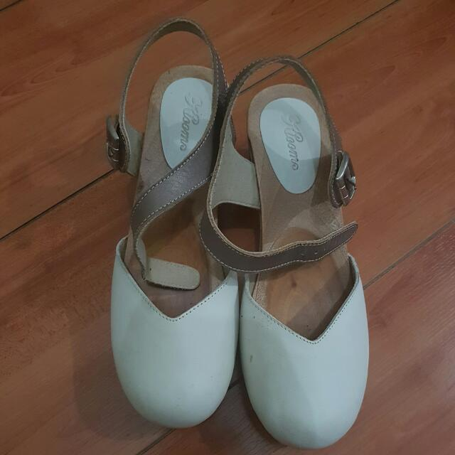 Sepatu Merk KLOOM