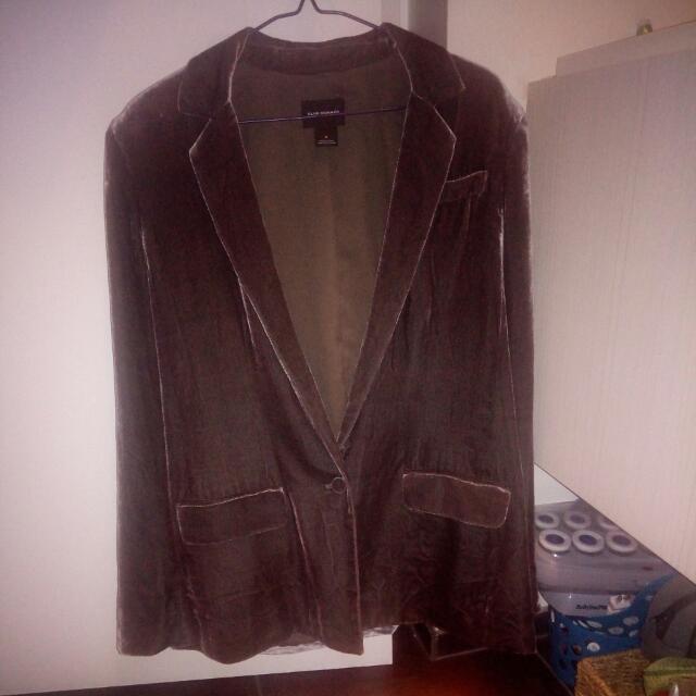 Size 8 Club Monaco grey oversized velvet blazer. Fit is oversized, medium like sizing.