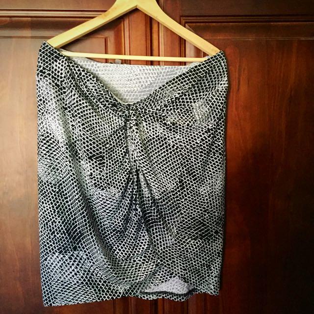 Sussan Knot Front Drape Skirt Size XL
