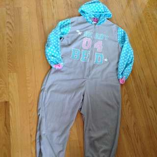 Ready 04 Bed Onsie Pyjamas Pjs Size Medium