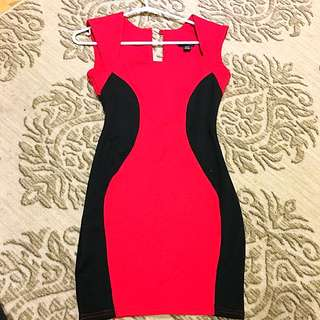 Bodycon Red Dress w Black Outline