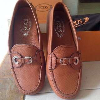 Tod's Women Brown Leather