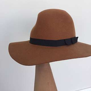 Brixton Floppy Felt Hat. Size Medium