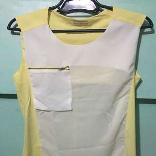 Pocket Detail Sleeveless Blouse