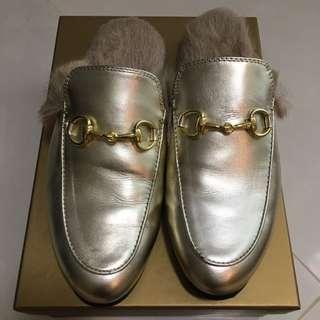 Gold fashion Shoe Size23.5