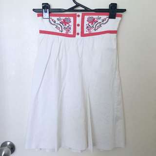 Size S/8 Honey Surf Brand White Knee Length Skirt With Embroidery Detail