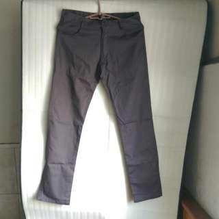 全新灰色長褲,誠可議