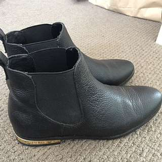 Witchery Black Boots Size 36