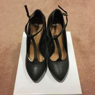 ASOS T-Bar Heel Size 5