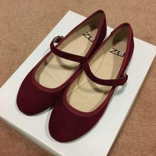 Zu Mary Jane Flats Size 5