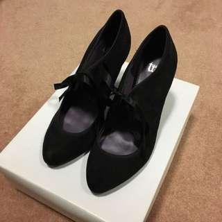 Zara Black Suede Bow Tie Heels Size 5