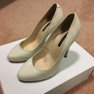 Tony Bianco Cream Heel Size 5