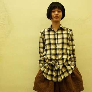 🚚 米黃混黑格紋傘狀腰線襯衫-娃娃  日系 森系
