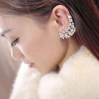 🆕✈️單耳精靈 滿鑽水晶寶石耳骨耳掛耳環(金色)