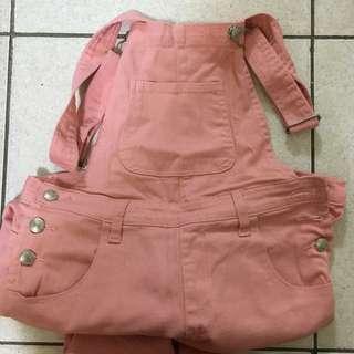 粉色吊帶褲