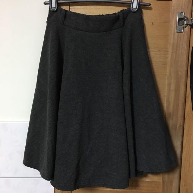 毛料及膝裙(全新)