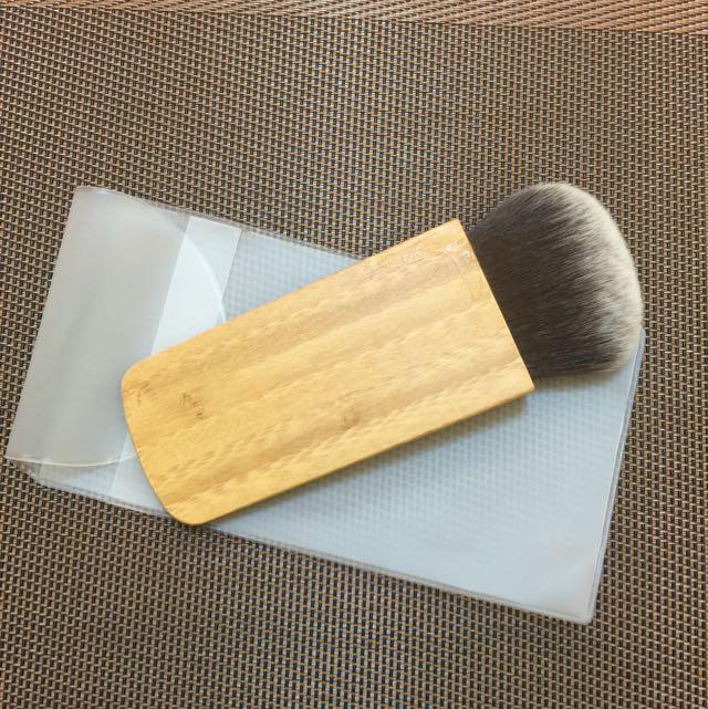 扁平木質柄修容刷