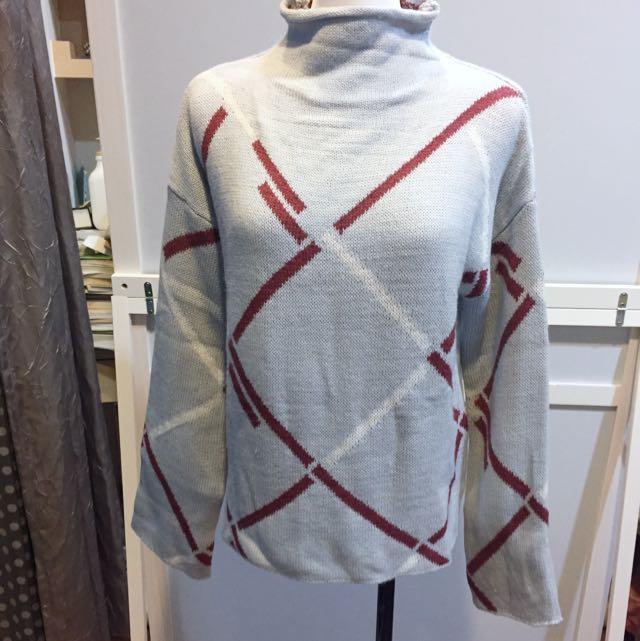 出清 微高領線條毛衣