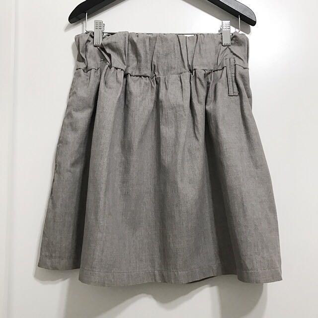 灰色短裙 🐰