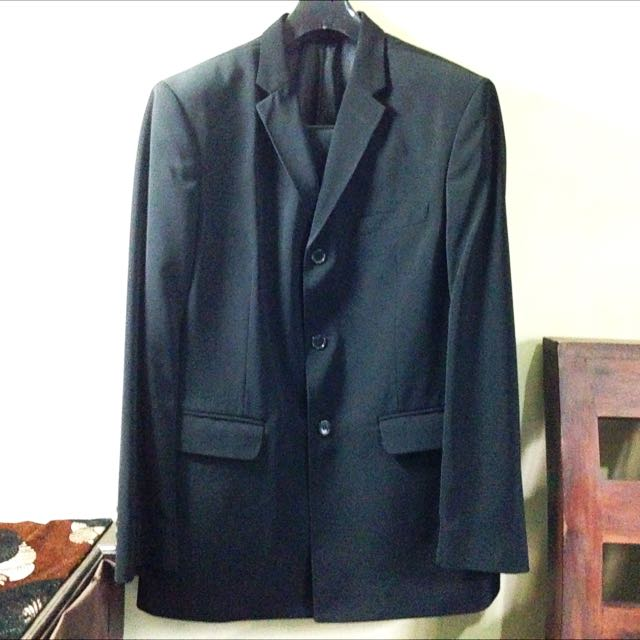 Black Schoeller Suit