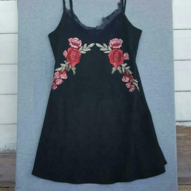 Bloom Lace Slip Dress With Embroidery