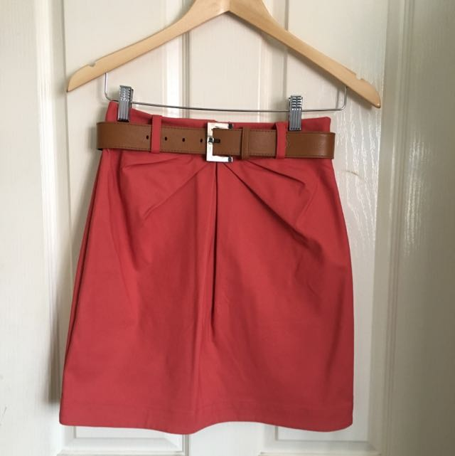 Cue Skirt With Belt Size 6