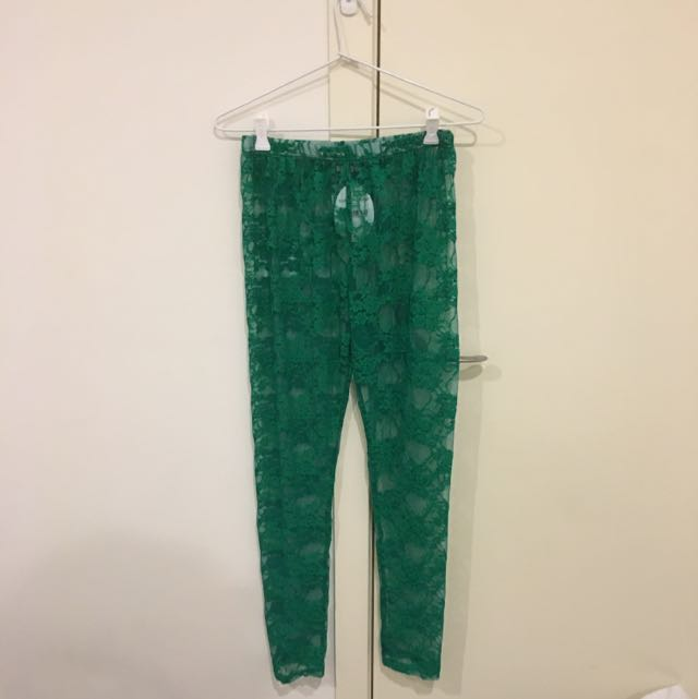 Cute Green Lace Like Leggings - Brand Keshet (new with tag still on)