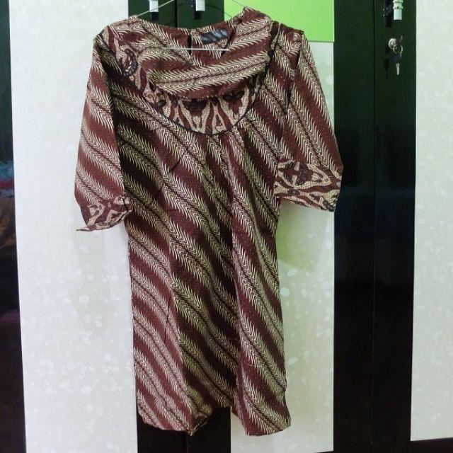 Dark Brown Batik Blouse Midi Sleeve (Size S)
