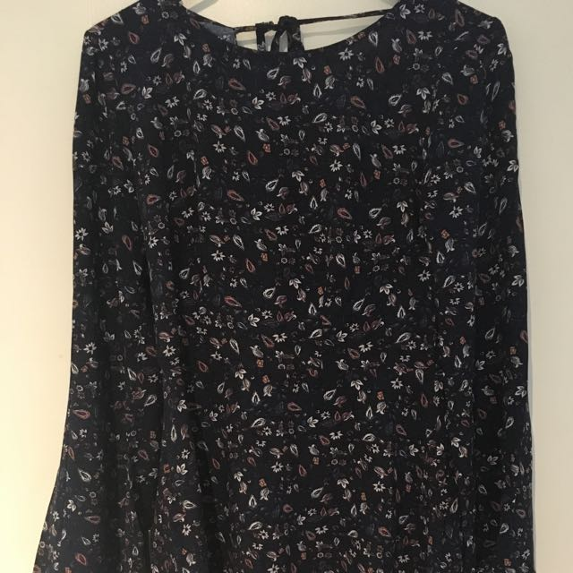 Flare Sleeved Dress Size 8