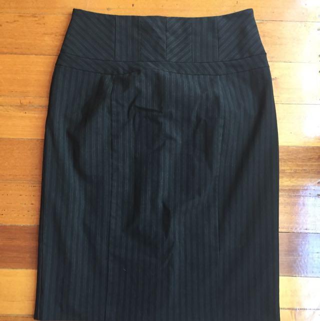 Jacqui E Skirt, Size 12
