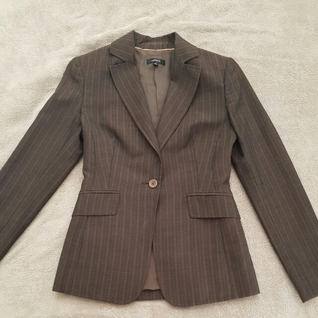 "Ladies ""Marcs"" suit Size 8"