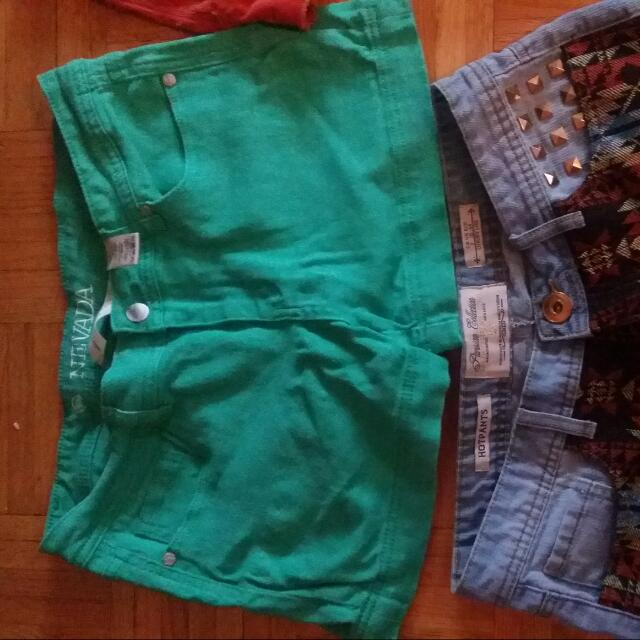 Lot Of 3 Shorts, 1 Pair Of Jeans And 1 Plaid Long Sleeve