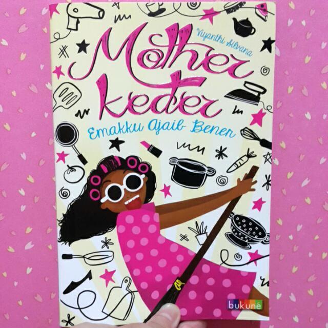 """Novel Bekas """"Mother Keder (Emakku Ajaib Bener)"""" By Viyanthi Silvana"""