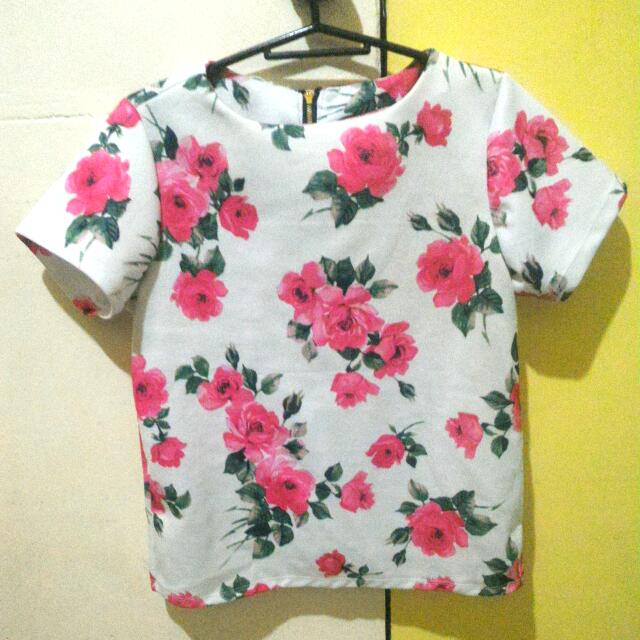 Round Neck Floral Blouse