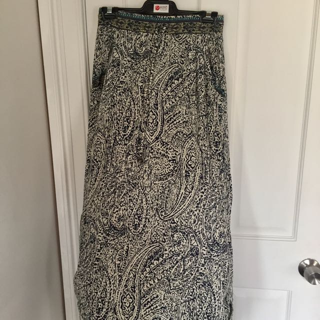 Size 6 Full Length Maxi Skirt