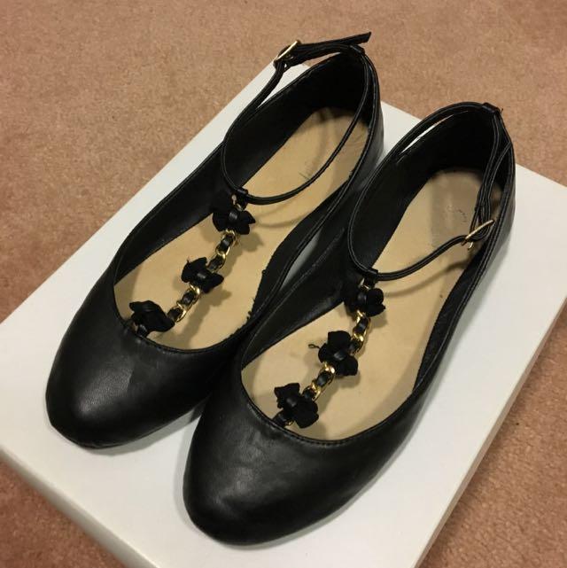 Sportsgirl Black T-Bar Ballet Flats Size 6